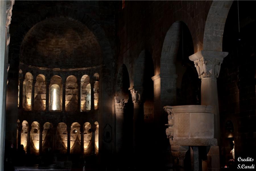 Pieve di San Pietro a Gropina interno