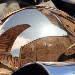 Piazza Duomo Pietrasanta riflesso d'artista