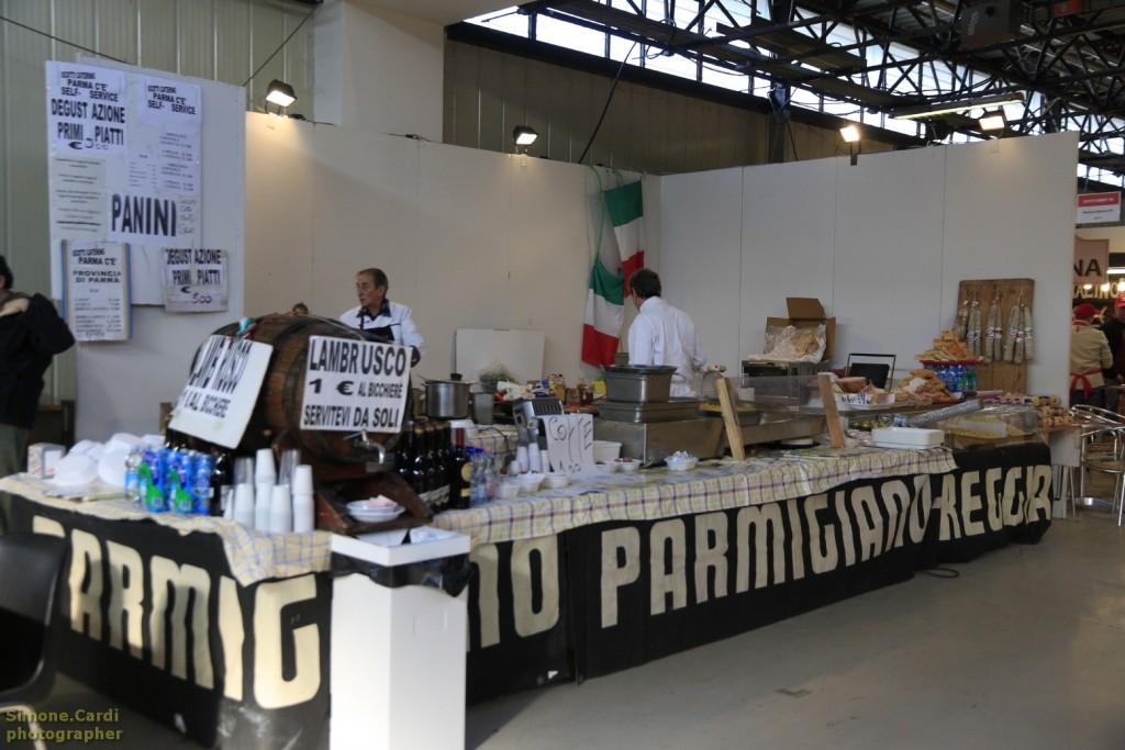 Sapeur salone dei prodotti tipici a Forlì stand Scotti Catering Parma