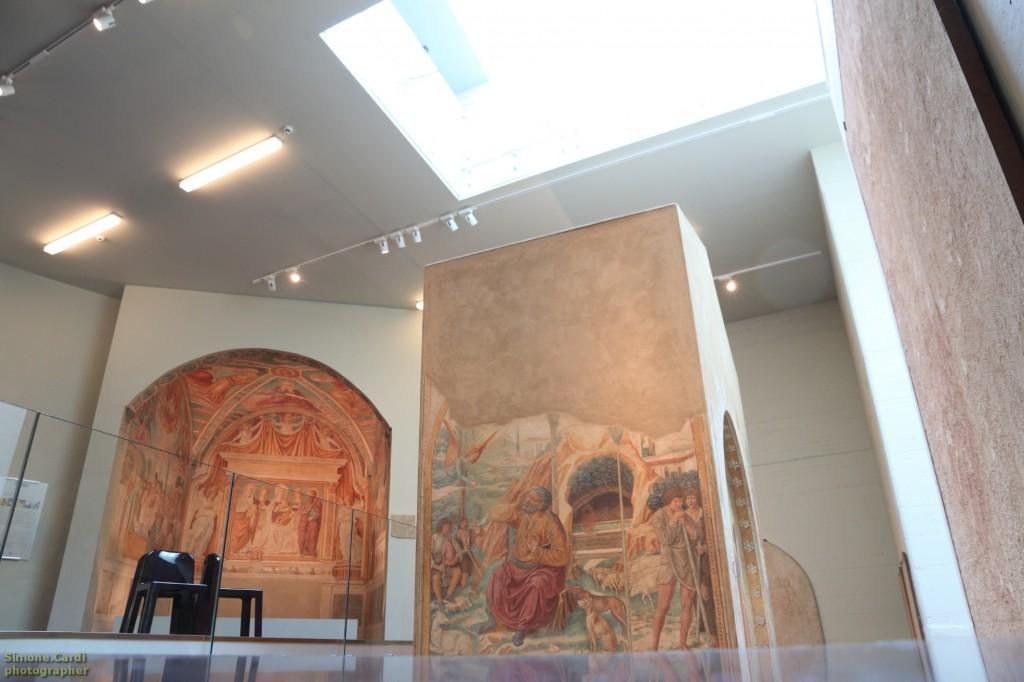 Museo BeGo interno i due tabernacoli e gli affreschi
