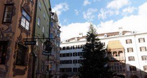 Innsbruck_piazza centrale_tetto d'oro_mercatino