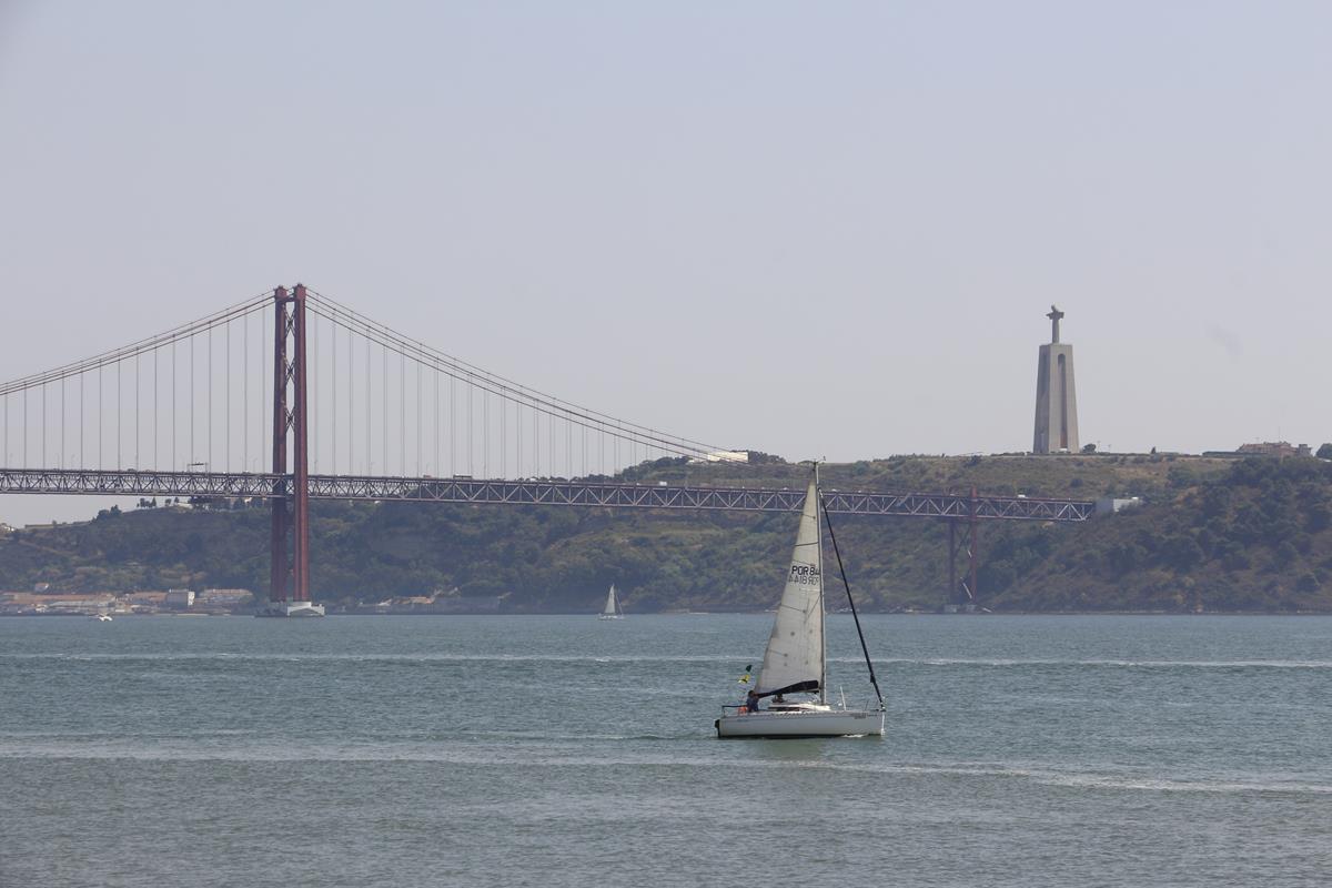 Ponte 25 Aprile e Cristo Rei - Lisbona (Portogallo)