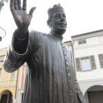 statua don Camillo Fernandel piazza di Brescello