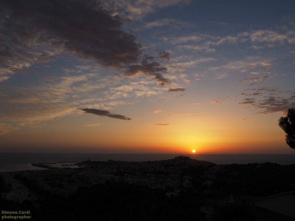 Vieste panorama all'alba